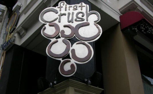 First-Crush-Sign San-Francisco-Union-Square-Bar