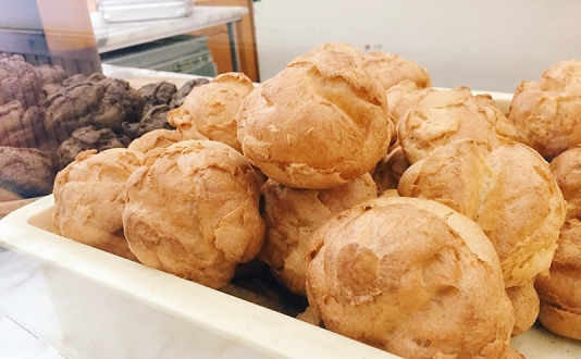 Beard Papa's Cream Puffs at Union Square, San Francisco