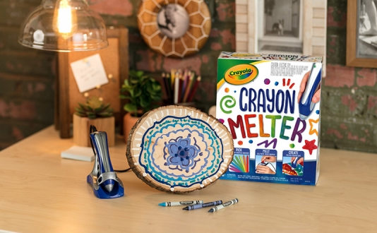 Melting Magic: DIY Melted Crayon MANDALAs With Crayola