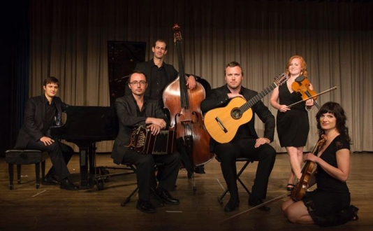 Tango in the Square - Redwood Tango Ensemble